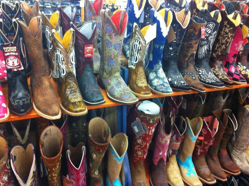 Daniel Footwear Discounts